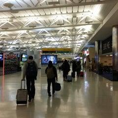 Photo taken at US Airways by Kurt K. on 12/25/2014