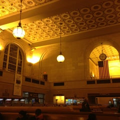 Photo taken at New Haven Union Station by Katie S. on 2/22/2013