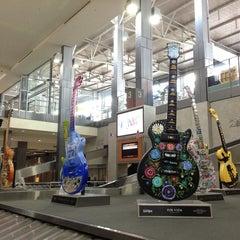 Das Foto wurde bei Austin Bergstrom International Airport (AUS) von Suzanne C. am 7/18/2013 aufgenommen