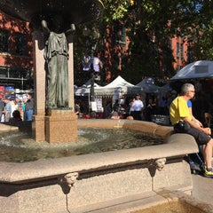 Photo taken at Skidmore Fountain by maru j. on 10/4/2014