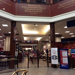 Photo taken at Penn Bookstore by Andrew T. on 8/21/2013