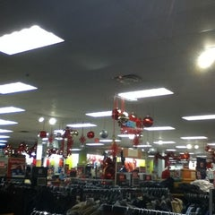 Photo taken at Kohl's by Elie R. on 11/24/2012