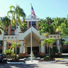 Photo taken at Hyatt Place Fort Lauderdale/Plantation by hendro c. on 3/21/2013