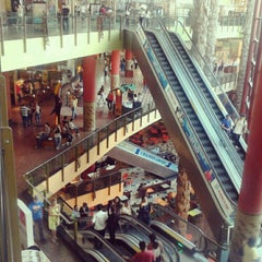 Photo taken at Manauara Shopping by Hudson on 10/17/2012