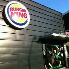 Photo taken at Burger King by Tetsuhiro T. on 11/8/2012