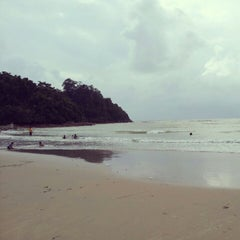 Photo taken at Pantai Cherating by Mohd M. on 2/13/2013