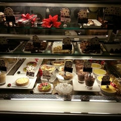 Photo taken at Chocolat Cremerie by john y. on 12/21/2012