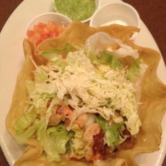 Photo taken at Las Palmas Mexican Restaurant by Nicci on 10/21/2012