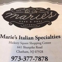 Das Foto wurde bei Marie's Italian Specialties von Evan F. am 5/31/2014 aufgenommen