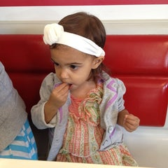 Photo taken at In-N-Out Burger by Prveen on 6/22/2013
