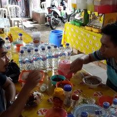 Photo taken at Songkolo Bagadang Alhamdulillah by Trijaka P. on 12/21/2013