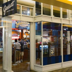 Photo taken at Garrett Popcorn Shops - Navy Pier by Garrett Popcorn Shops on 11/5/2014