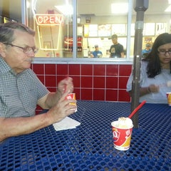 Photo taken at Dairy Queen by Kathy C. on 9/28/2013
