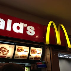Photo taken at McDonald's by Thiago R. on 10/21/2012