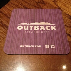 Photo taken at Outback Steakhouse by Sshawyn T. on 12/15/2012