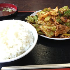 Photo taken at 朱華飯店 小田原店 by K T. on 3/2/2013