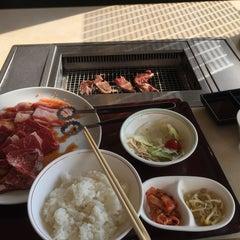 Photo taken at 焼き肉 宝島 市毛店 by Kanazawa H. on 4/29/2015