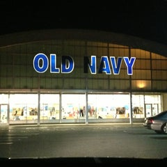 Photo taken at Old Navy by Cat D. on 3/5/2013