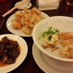 Photo taken at Hong Sin Restaurant by Pupung P. on 5/22/2015