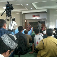 Photo taken at Masjid Al Murosalah by Djaya H. on 12/9/2012