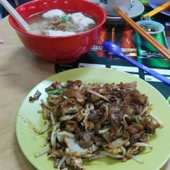Photo taken at Tang City Food Court 唐城美食中心 by Al F. on 10/4/2015