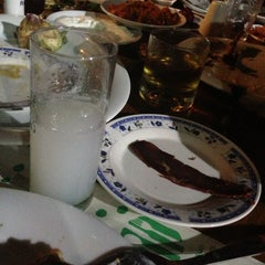 Photo taken at Hidden Wall Restaurant by Kemal M. on 5/7/2013