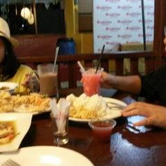 Photo taken at Restoran Pringsewu by Yetvy F. on 7/28/2014