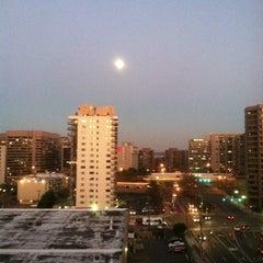 Photo taken at The Gramercy at Metropolitan Park by Kevin A. on 11/26/2012