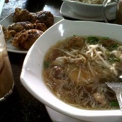 Photo taken at Restoran Soto Shah Alam by Nur A. on 12/6/2012