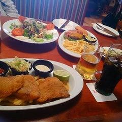 Photo taken at Tony Roma's Ribs, Seafood, & Steaks by Tatiana on 3/29/2014