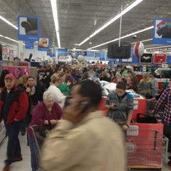 Photo taken at Walmart Supercenter by Jack K. on 11/23/2012