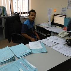 Photo taken at Jabatan Pendaftaran Negara Selangor by Julius C. on 11/1/2012
