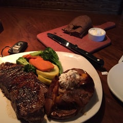 Photo taken at Outback Steakhouse by Haithem B. on 7/22/2015