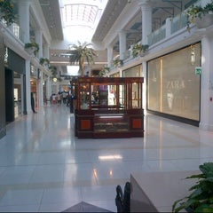 Photo taken at Landmark Mall | اللاندمارك by » ₳  M  € « on 10/6/2012