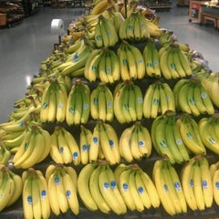Photo taken at Walmart Supercenter by Lowanda F. on 10/17/2012