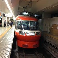 Photo taken at 小田急 新宿駅 2-3番線ホーム by Gackoo . on 3/30/2013
