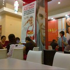 Photo taken at KFC by Nizar Iskandar b. on 3/2/2013