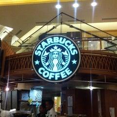Photo taken at Starbucks by Alejandro T. on 10/28/2012