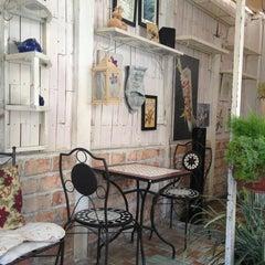 Photo taken at Café Gác Hoa by BanhWuynh0704👫 on 10/15/2014