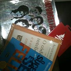 Photo taken at Livraria Saraiva by Janete M. on 12/24/2012