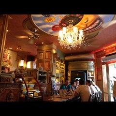 Photo taken at Paris 6 Bistrô by Ana A. on 11/10/2012