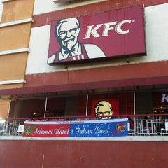 Photo taken at KFC by wensi p. on 12/10/2012