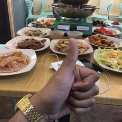 Photo taken at Flaming Steamboat by Muhammad Y. on 12/2/2015