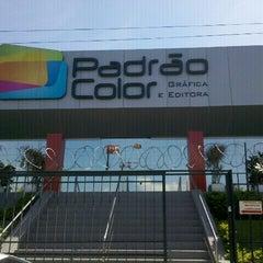 Photo taken at Padrão Color gráfica e editora by Thiago L. on 11/7/2012