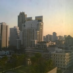 Photo taken at Tai-Pan Hotel by Danu N. on 12/29/2015
