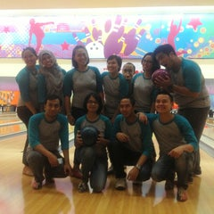 Photo taken at Spincity Bowling Alley by Retno Setyo Utami- I. on 6/22/2013