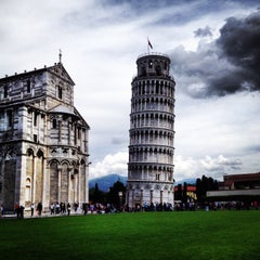 Photo taken at Torre di Pisa by Alisia R. on 5/21/2013