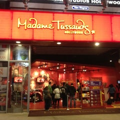 Photo taken at Madame Tussauds Hollywood by Katerina G. on 12/20/2012