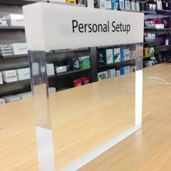 Photo taken at Apple Store, Brandon by Hasani H. on 10/31/2012
