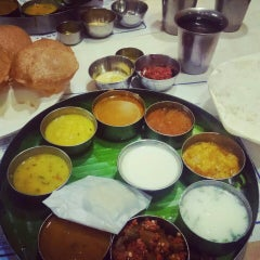 Photo taken at Saravana Bhavan by Ninad P. on 5/22/2015
